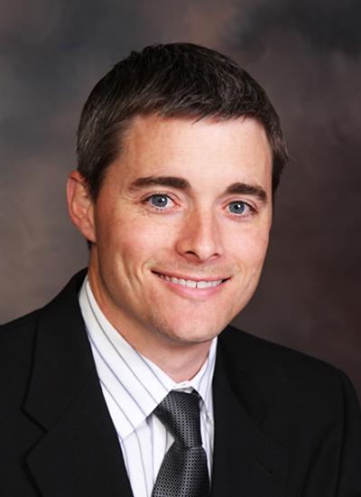 Dr. Spencer Duncan headshot