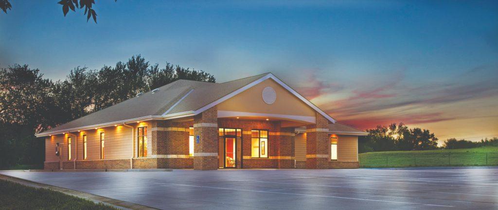 exterior at night - medical plaza of valley center - family medicine - valley center ks - nmc health