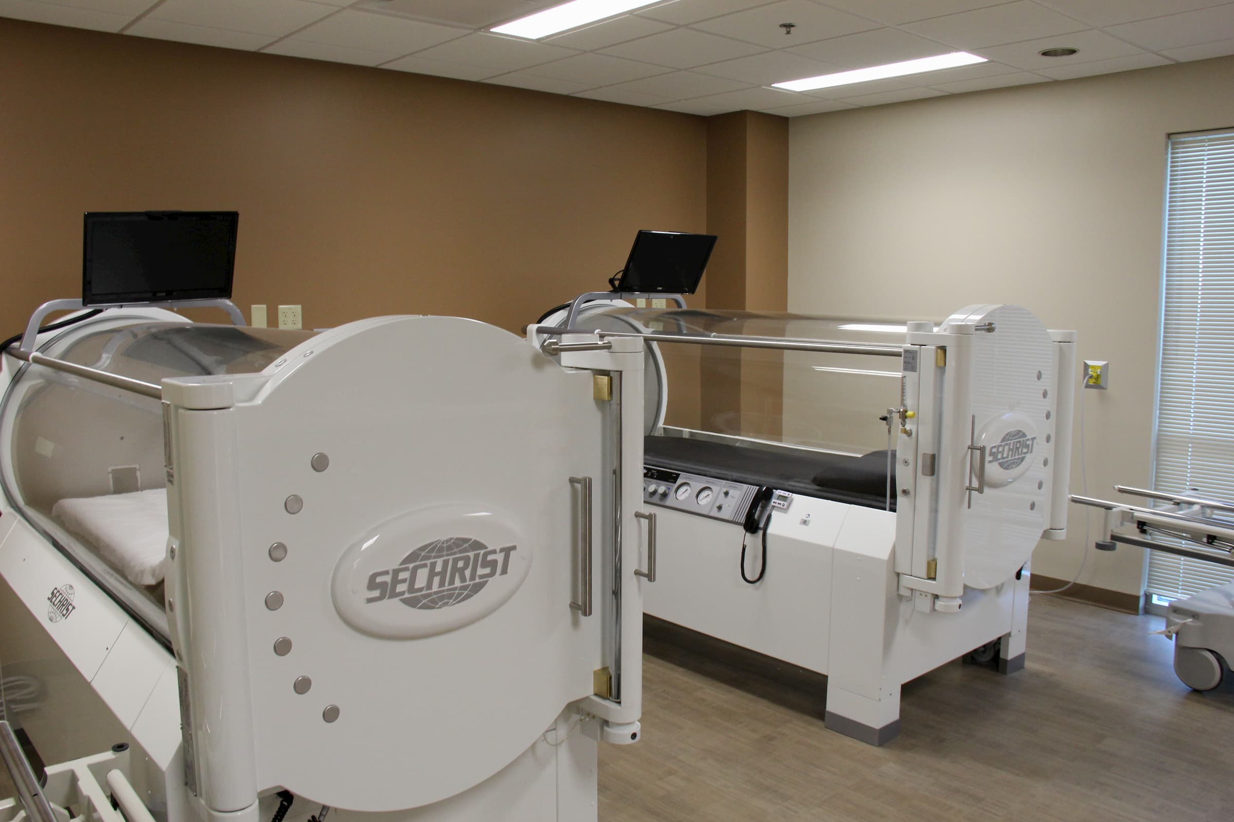 Hyperbaric chamber at NMC Health Wound Healing & Hyperbaric Center in Newton KS at Newton Surgery Center building on NMC Health campus